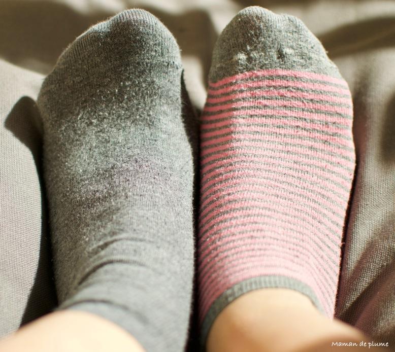 La journée des chaussettes dépareillées.jpg