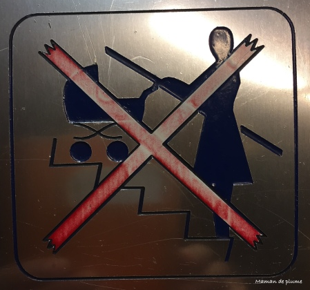 Poussettes interdites